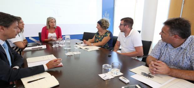 María Francisca Caracuel, diputada provincial, invita a los ayuntamientos a implantar planes de RSC