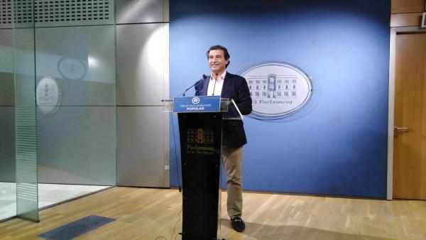El líder del PP en Baleares, Biel Company, en una rueda de prensa en el Parlament.