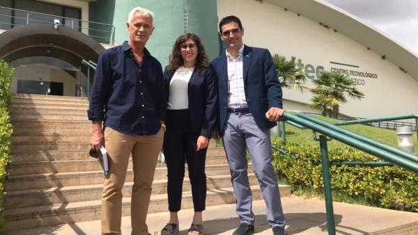 Visita del alcalde de Alcalá la Real, Mariano Aguilera, y dos concejales a la sede de Andaltec