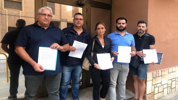 La portavoz de Medio Ambiente del PP en Les Corts, Elisa Díaz, junto a los portavoces 'populares' en los municipios afectados, presentan la denuncia