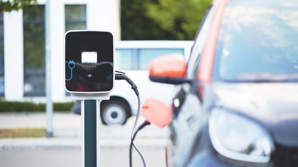 Los coches eléctricos coparán el 100% del transporte en 2050