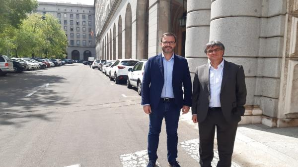 El alcalde de Palma, José Hila (I), y el regidor de Medio Ambiente, Ramon Perpinyà (D).