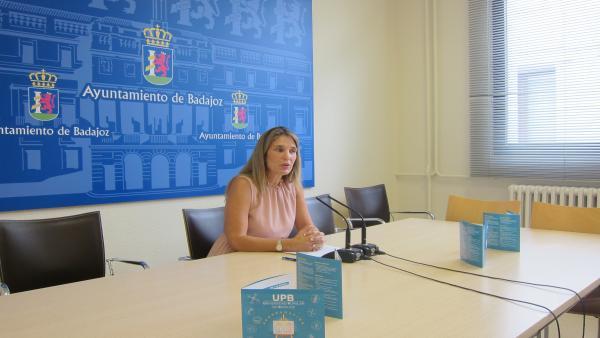 Blanca Subirán en la presentación de actividades de la Universidad Popular de Badajoz