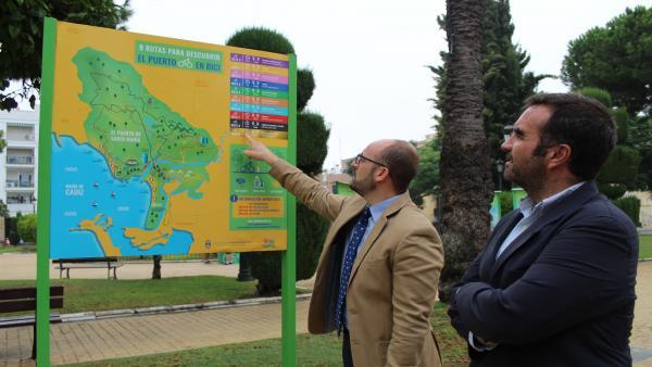 El alcalde de El Puerto de Santa María (Cádiz), Germán Beardo, acompañado del concejal de Medio Ambiente y Movilidad Sostenible, Millán Alegre
