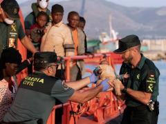 Inmigrantes rescatados en Alborán