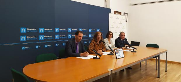De izquierda a derecha, Simón, Armisén, Tejerina y Rubio Mielgo presentan la iniciativa 'Palencia se implica con el planeta'.