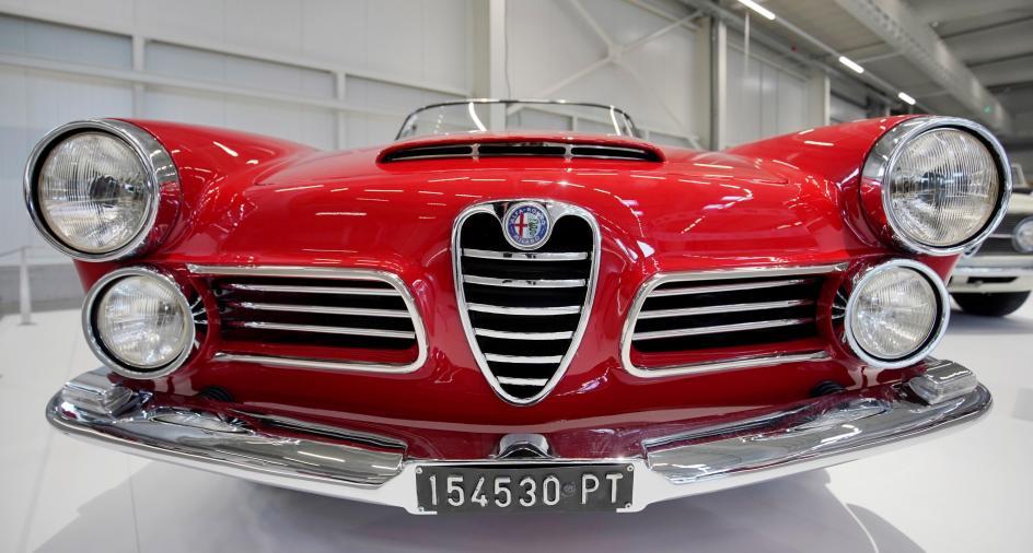Mito de Alfa Romeo. Un Alfa Romeo 2600 Touring Spider es exhibido dentro de la exposición 'Mythos Alfa Romeo', en el Museo de Tecnología de Sinsheim (Alemania).