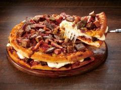 Montaña de carne (pizza)