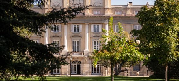 Entrada al Palacio de Liria por los jardines delanteros.