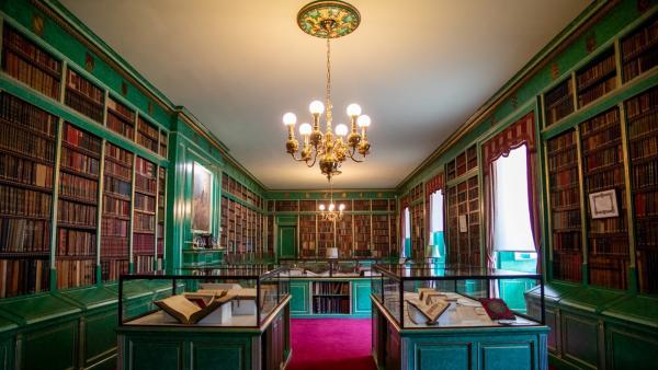 La biblioteca del Palacio de Liria está compuesta por unos 18.000 volúmenes.