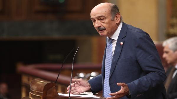 El portavoz del Partido Regionalista Cántabro (PRC) en el Congreso de los Diputados, José María Mazón, interviene en la sesión de control al Gobierno en funciones, en Madrid (España) a 11 de septiembre de 2019.