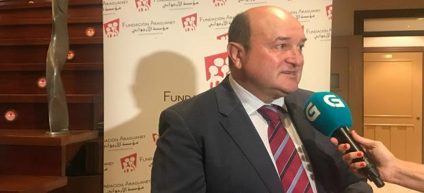 El presidente del EBB del PNV, Andoni Ortuzar, en un acto en Santiago de Compostela