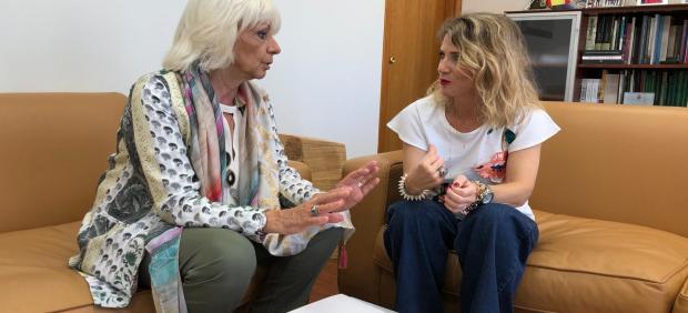 Teófila Martínez con Ana Mestre