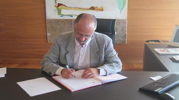 El presidente de las Cortes, Luis Fuentes.