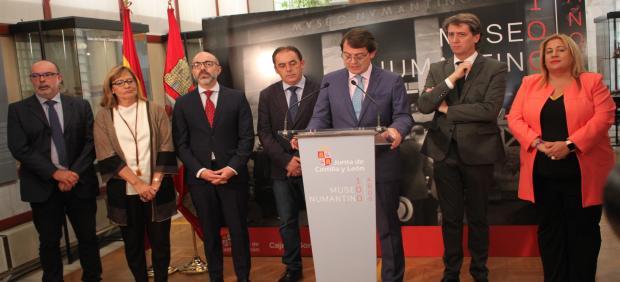 El presidente de la Junta de Castilla y León, Alfonso Fernández Mañueco, en Soria en la inauguración de la exposición 'Museo Numantino. Cien años 1919-2019'.