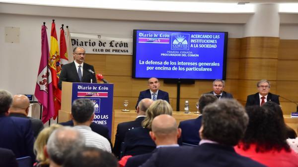 Fuentes durante su intervención en el Foro de Diario de León.