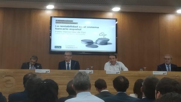 El gobernador del Banco de España en València