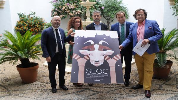 Sánchez (centro), en la presentación del Congreso Nacional de SEOC