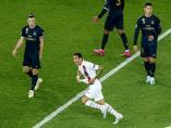 Di María celebra uno de sus goles frente a Bale y James