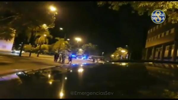 Intervención de la Policía Local de Sevilla en una carrera ilegal de La Cartuja