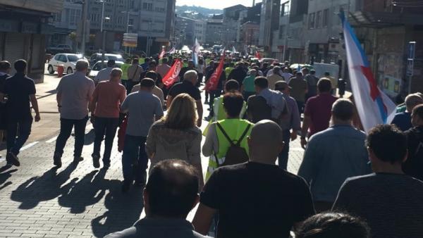 Trabajadores de las auxiliares de Endesa en As Pontes secundan un paro de 24 horas.