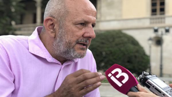 El portavoz de MÉS per Mallorca en el Parlament, Miquel Ensenyat, en declaraciones a los medios.