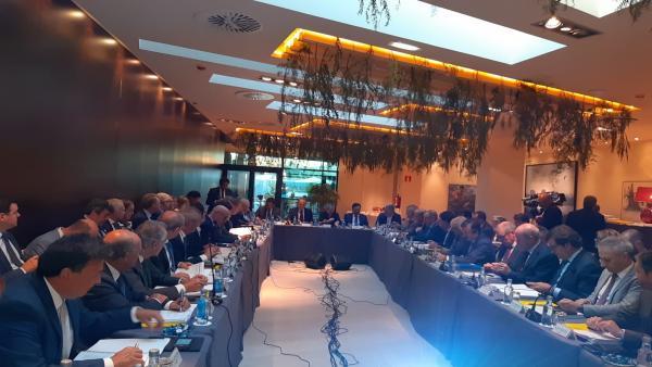 Reunión de Puertos del Estado y 28 presidentes portuarios celebrada en Gijón