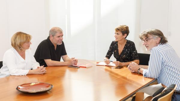 Unai Sordo, secretario general de CCOO, con la presidenta del Gobierno de Navarra, María Chivite
