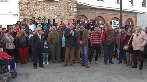 Concentración en Almadén contra el 'loco del chándal'