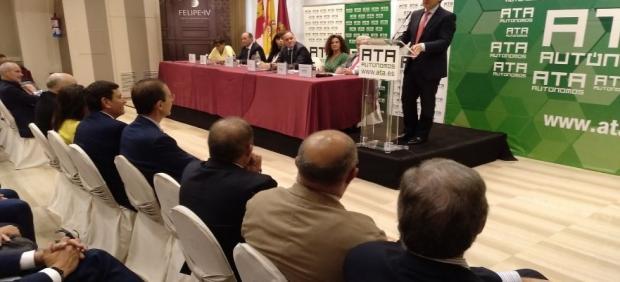 El presidente de la Junta de Castilla y León, Alfonso Fernández Mañueco, durante la Asamablea de Elecciones de ATA CyL.