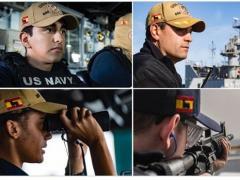 Militares de EE UU con la bandera de España y el Toro de Osborne