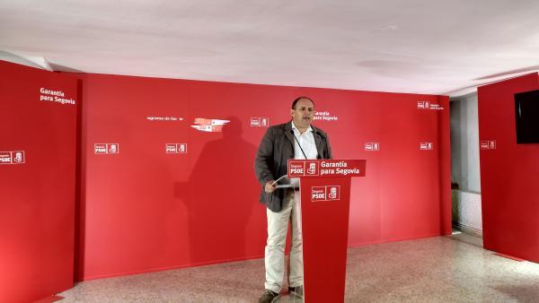 El secretario provincial del PSOE de Segovia, José Luís Aceves, durante un acto celebrado en la sede del partido de la capital segoviana,