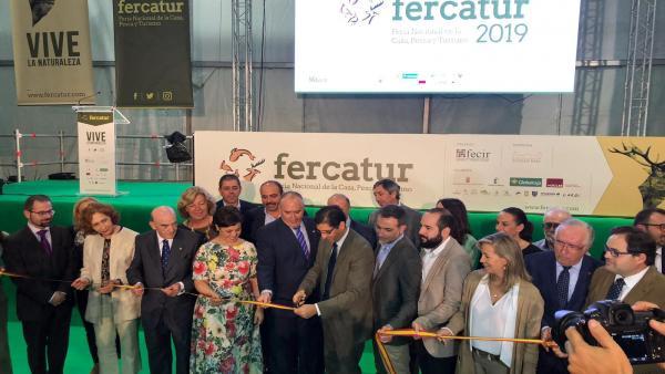 Np Pilar Zamora: 'La Caza Y La Pesca Atraen Turismo Progreso Y Desarrollo Para Ciudad Real