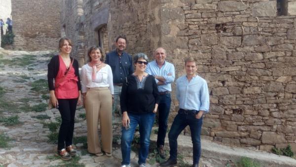 La presidenta de la CHE visita las actuaciones ejecutadas para la consolidación del núcleo de Ruesta (Zaragoza).