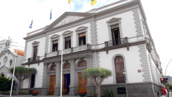 Unidas Podemos pide eliminar el seguro médico privado a los cargos electos en el Ayuntamiento de Santa Cruz