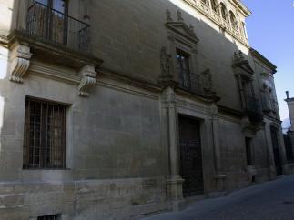 Diez espectaculares palacios habitados que puedes visitar en España