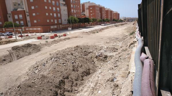 Almería.-La mesa del tren critica un 'parón' en las obras de El Puche y Adif apunta condiciones específicas de agosto