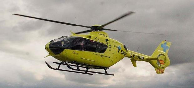 Imagen de archivo de un helicóptero sanitario