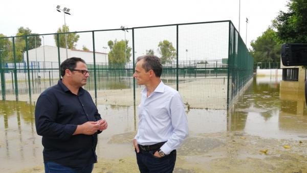 El ministro de Ciencia y Universidades, Pedro Duque, visita Dolores con su alcalde, Joaquín Hernández