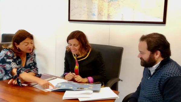 La consejera de Presidencia, Interior, Justicia y Acción Exterior, Paula Fernández Viaña, visita la Oficina de Cantabria en Bruselas