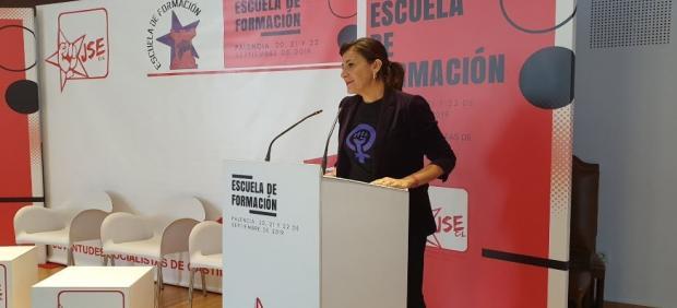Ana Sánchez asiste a la inauguración de la Escuela de Formación de Otoño que celebra Juventudes Socialistas de Castilla y León durante este fin de semana en Palencia.