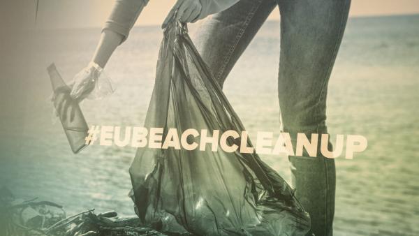 La campaña 'Beach clean up' llega a las Islas Cíes