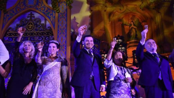 Juanma Moreno, nombrado Capataz de Honor de la Vendimia de La Palma