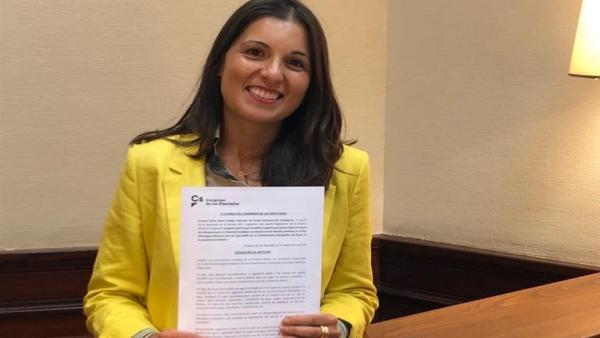 Soraya Mayo registra las iniciativas parlamentarias