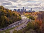 Del clásico asfalto a los paneles solares: así serán las carreteras del futuro