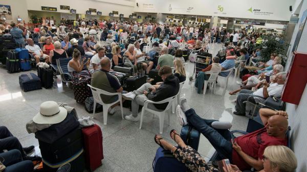 Larga espera en Menorca