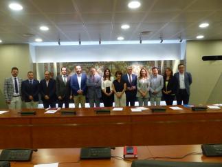 Miriam Guardiola (PP), en el centro de la imagen, presidirá la Comisión de Asuntos Generales