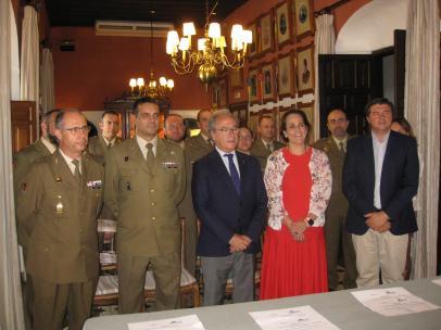 Autoridades durante el acto de clausura del curso de planificación de procesos y servicios en restauración