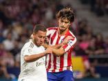 Hazard y Joao Félix, durante el derbi entre Atlético y Real Madrid
