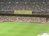Pancarta en el Camp Nou